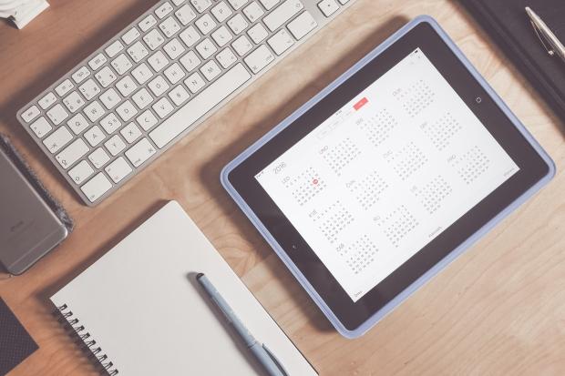 calendar-app-business-time-management-workspace-picjumbo-com.jpg